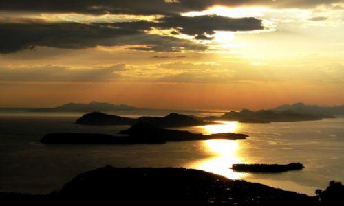 Zdjecie CHORWACJA / Dalmacja / wyspy Elafickie / przed zachodem.