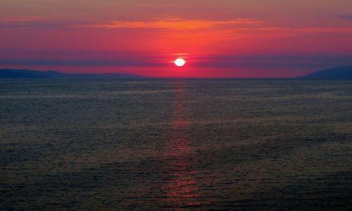 Zdjecie CHORWACJA / Dalmacja / Riwiera Makarska / blisko horyzontu...