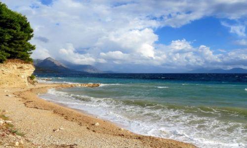 CHORWACJA / Dalmacja / Riviera Makarska / na kamienistej plaży...