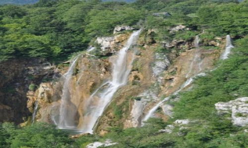 Zdjecie CHORWACJA / Dalmacja / Jeziora plitwickie / Plitwicki wodospad
