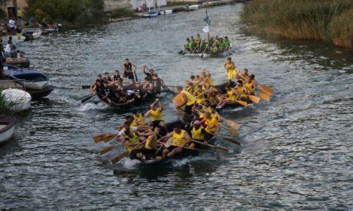 Zdjęcie CHORWACJA / Żupania dubrownicko-neretwiańska /  Rogotin / Wyścigi łodzi wiosłowych na rzece Neretwie