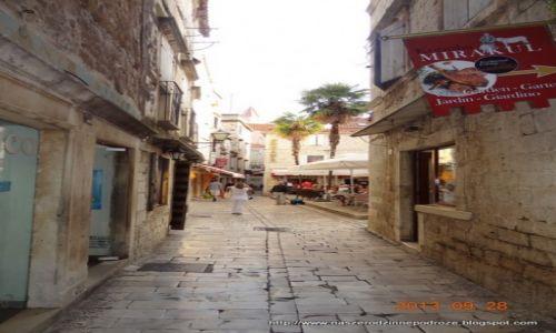 Zdjecie CHORWACJA / Dalmacja / Trogir / Jedna z wielu uliczek