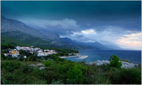Zdjecie CHORWACJA / Dalmacja / Riwiera Makarska / piękna przy każdej pogodzie...