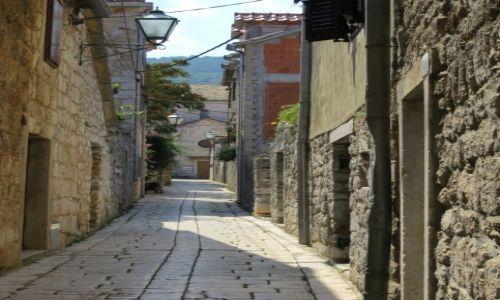 Zdjęcie CHORWACJA / Hvar / Stari Grad / w cieniu i chłodzie...