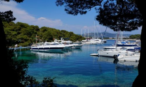 Zdjęcie CHORWACJA / Wyspa Hvar / Milna / Widok na port