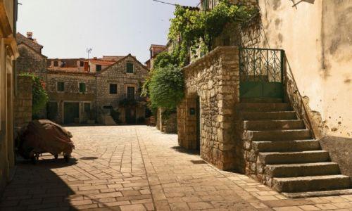 Zdjecie CHORWACJA / Środkowej Dalmacji -Hvar /  Stari Grad  / Stare kamienne uliczki