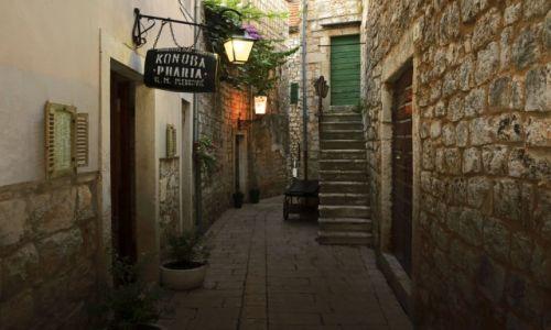 Zdjęcie CHORWACJA / Środkowej Dalmacji -Hvar / Stari Grad. / Uliczki starego miasta w Grado