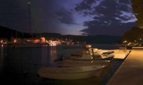 Zdjecie CHORWACJA / Środkowej Dalmacji -Hvar /  Stari Grad  / Port nocą