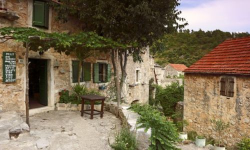 Zdjecie CHORWACJA / Środkowej Dalmacji -Hvar / Velo Grablje / Opuszczona wieś na wyspie Hvar