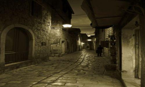 Zdjęcie CHORWACJA / Środkowej Dalmacji -Hvar /  Stari Grad  / Kręte uliczki -c.d