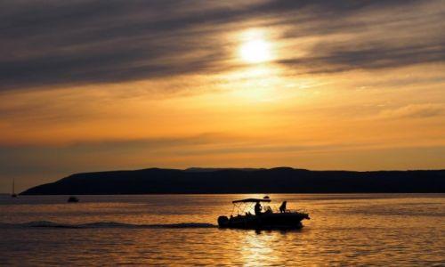 Zdjęcie CHORWACJA / Riviera Makarska / Makarska / zdążyć za dnia...