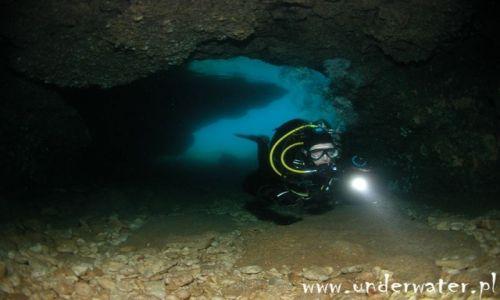 CHORWACJA / Dalmacja / Bra�, Hvar / Podwodne jaskienie w Chorwacji