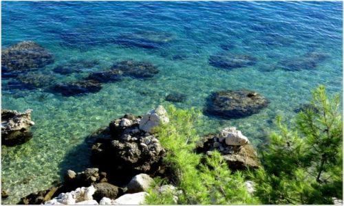 CHORWACJA / Riviera Makarska / Zivogosce / patrzę... i kamieniom  zazdroszczę
