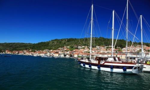 Zdjęcie CHORWACJA / Wyspa Korčula / Vela Luka / W porcie