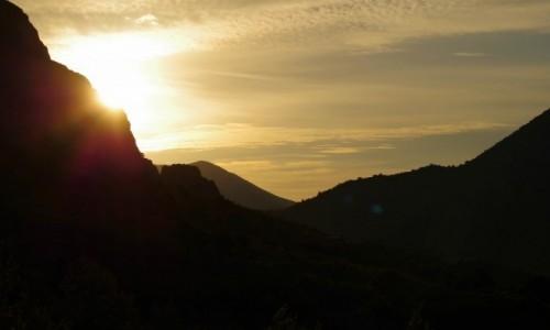 Zdjęcie CHORWACJA / - / Duce / słoneczko wspina się po górach
