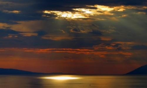 Zdjecie CHORWACJA / Riviera Makarska / Podgora / mała strużka...