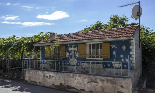 Zdjęcie CHORWACJA / Dalmacja / Tribunj / chorwacka zabudowa