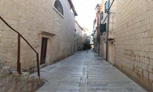 Zdjęcie CHORWACJA / Dalmacja / Trogir / Trogir – uliczki starego miasta