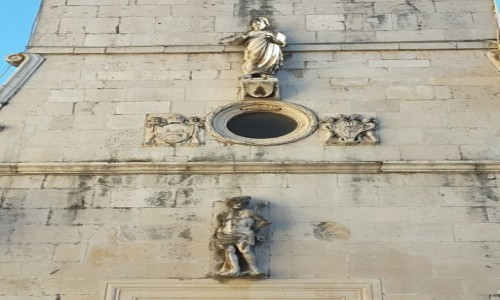 Zdjecie CHORWACJA / Dalmacja / Trogir / Trogir - figury na Wieży zegarowej