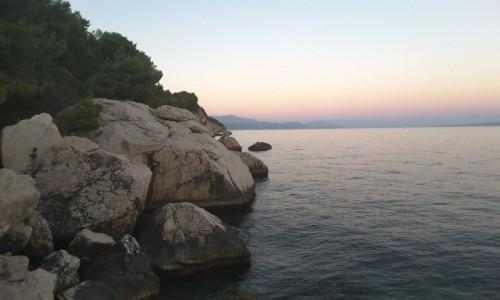 CHORWACJA / Dalmacja / Wyspa Ciovo / Wyspa Ciovo - na skale