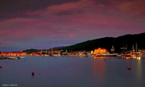 Zdjęcie CHORWACJA / Hvar / Stari Grad / Nabrzeże Portowe nocą