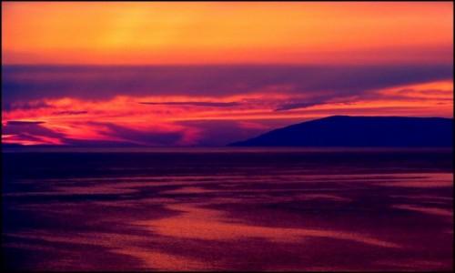 Zdjecie CHORWACJA / Dalmacja / Riviera Makarska / mieni się czerwienią...