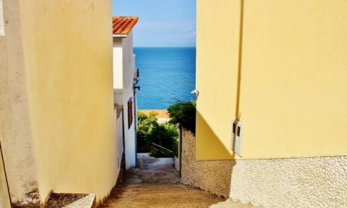 Zdjecie CHORWACJA / Dalmacja / Podgora / Schodami do morza