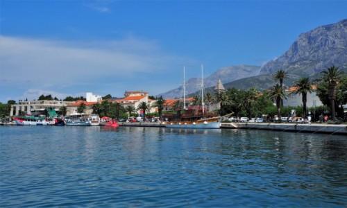 Zdjecie CHORWACJA / Riviera Makarska / Makarska / między morzem, a górami...