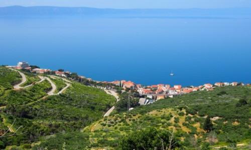 Zdjecie CHORWACJA / Riviera Makarska / Gornja Podgora / serpentynami - w górę...