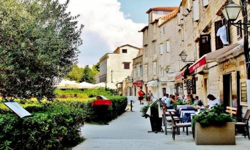 Zdjecie CHORWACJA / Dalmacja / Trogir / Na ulicy w Trogirze
