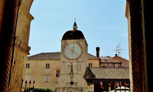 Zdjecie CHORWACJA / Dalmacja / Trogir / Wieża zegarowa z 1476 roku