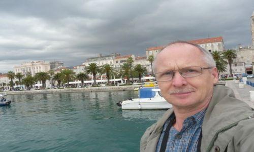 CHORWACJA / Dalmacja / Split / Nad brzegiem Adriatyku