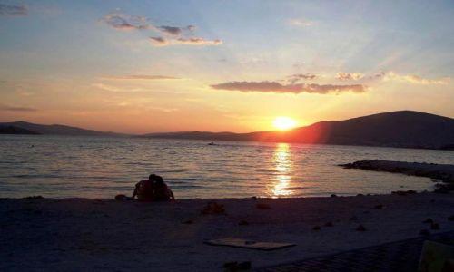 Zdjecie CHORWACJA / Dalmacja / plaża / Romantycznie - zachód słońca