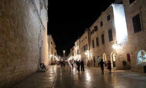 Zdjecie CHORWACJA / Dubrivnik / Stari Grad / Miasto nocą