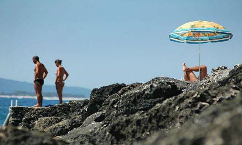 Zdjecie CHORWACJA / Adriatyk / Hvar / na plaży- obrazki obyczajowe z podrózy