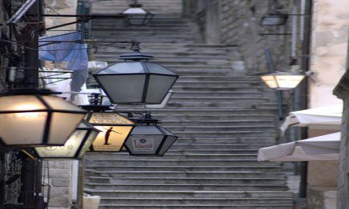 Zdjecie CHORWACJA / Dubrovnik / Dubrovnik / impresje z Dubrovniak na temat uliczek i lamp