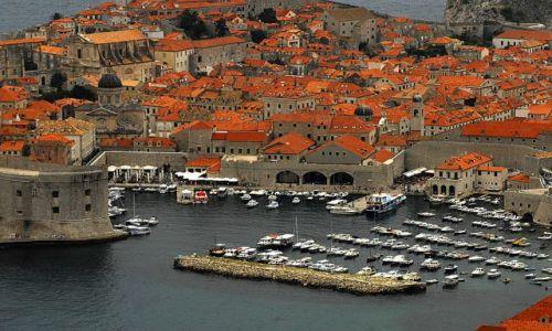Zdjęcie CHORWACJA / Dubrovnik / Dubrovnik / panorama portu z oddali
