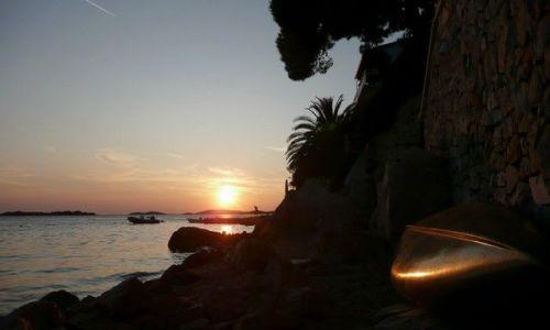 Zdjecie CHORWACJA / Dalmacja / Tribunj / Zachodź że słońce skoro masz zachodzić