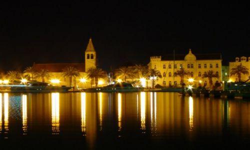 Zdjecie CHORWACJA / Trogir / Centrum / Trogir w nocy 1