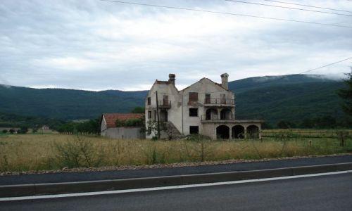 Zdjecie CHORWACJA / Plitvice / Gorni Babin Potok / Pozostałości wojny (Chorwacja)