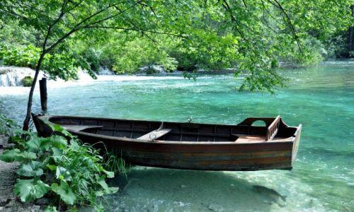 Zdjecie CHORWACJA / Region Lika / Park Narodowy Jeziora Plitwickie / Łódka