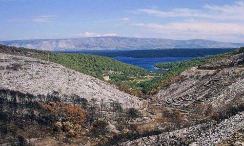 CHORWACJA / Dalmacja / wyspa Hvar / kontrast