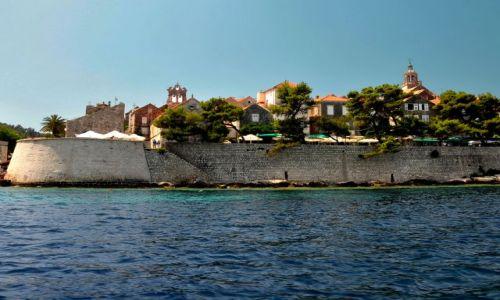 Zdjecie CHORWACJA / Dalmacja, wyspa Korcula / Korcula - miasto urodzin Marco Polo / Widok na Korculę