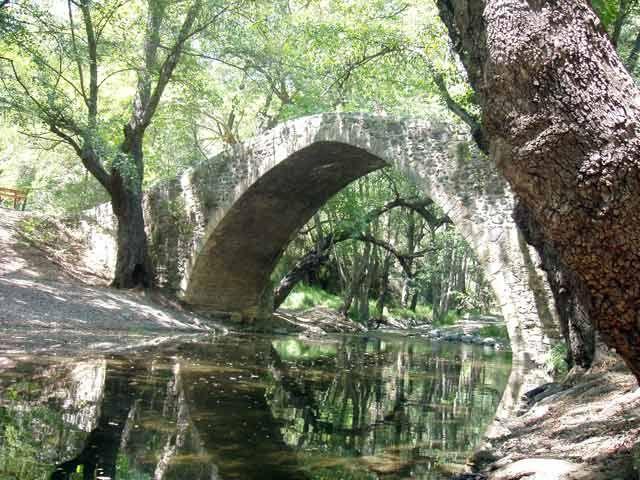 Zdjęcia: Okolice Paphos, Mostek nad rzeczka ktorej nazwy nie pamietam, CYPR