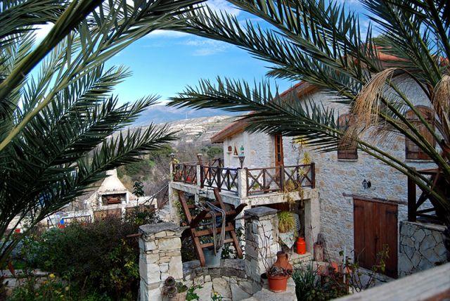 Zdjęcia: Lania, Troodos, Zabudowa w wiosce Lania, CYPR