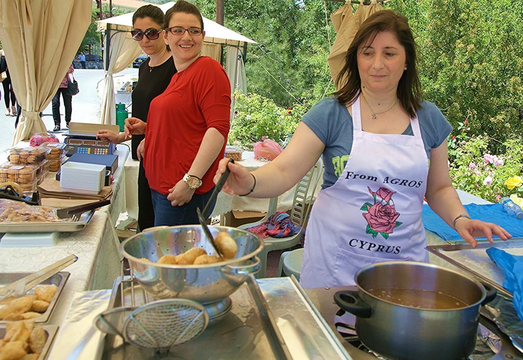 Zdjęcia: Agros, Festiwal Róż, Pitsilia, Pierożki z serem ricotta, CYPR
