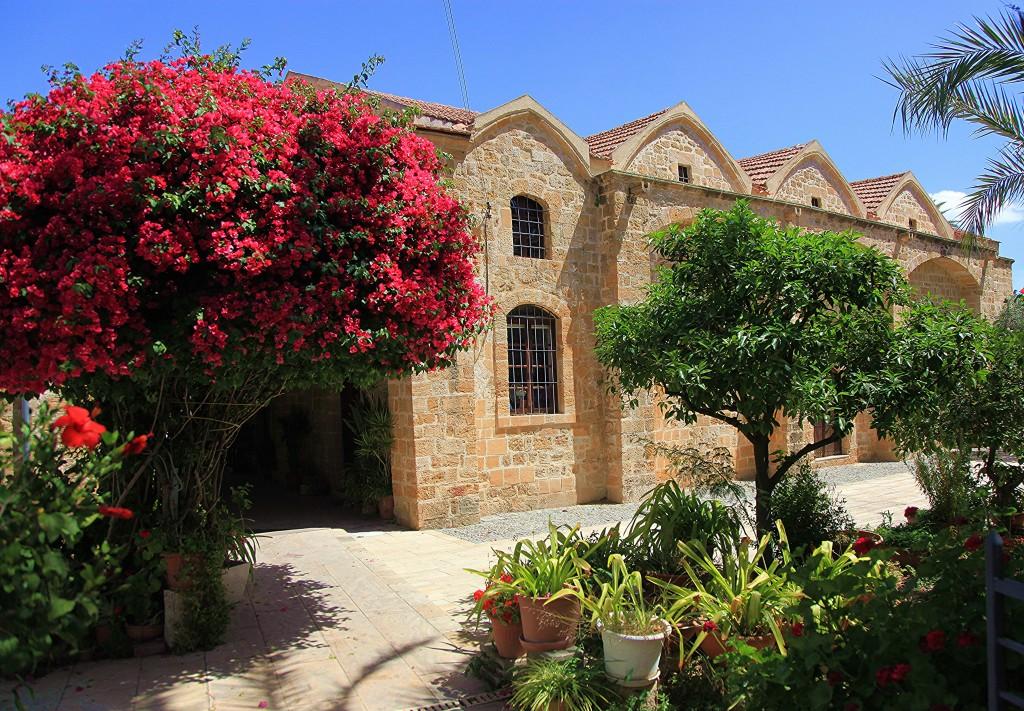 Zdjęcia: Stare Miasto, Nikozja, Architektura i kwiaty, CYPR