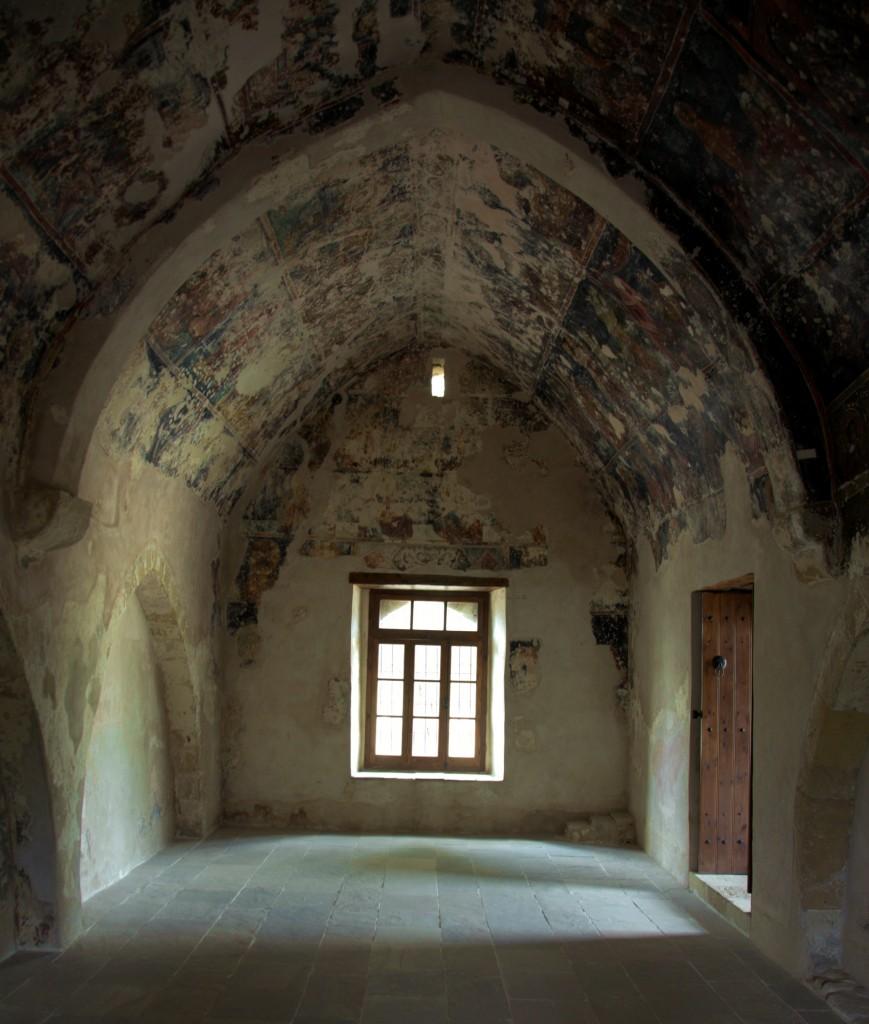Zdjęcia: Kościół Agios Andronikos, Polis Chrysochous, Odkrywanie malowideł, CYPR