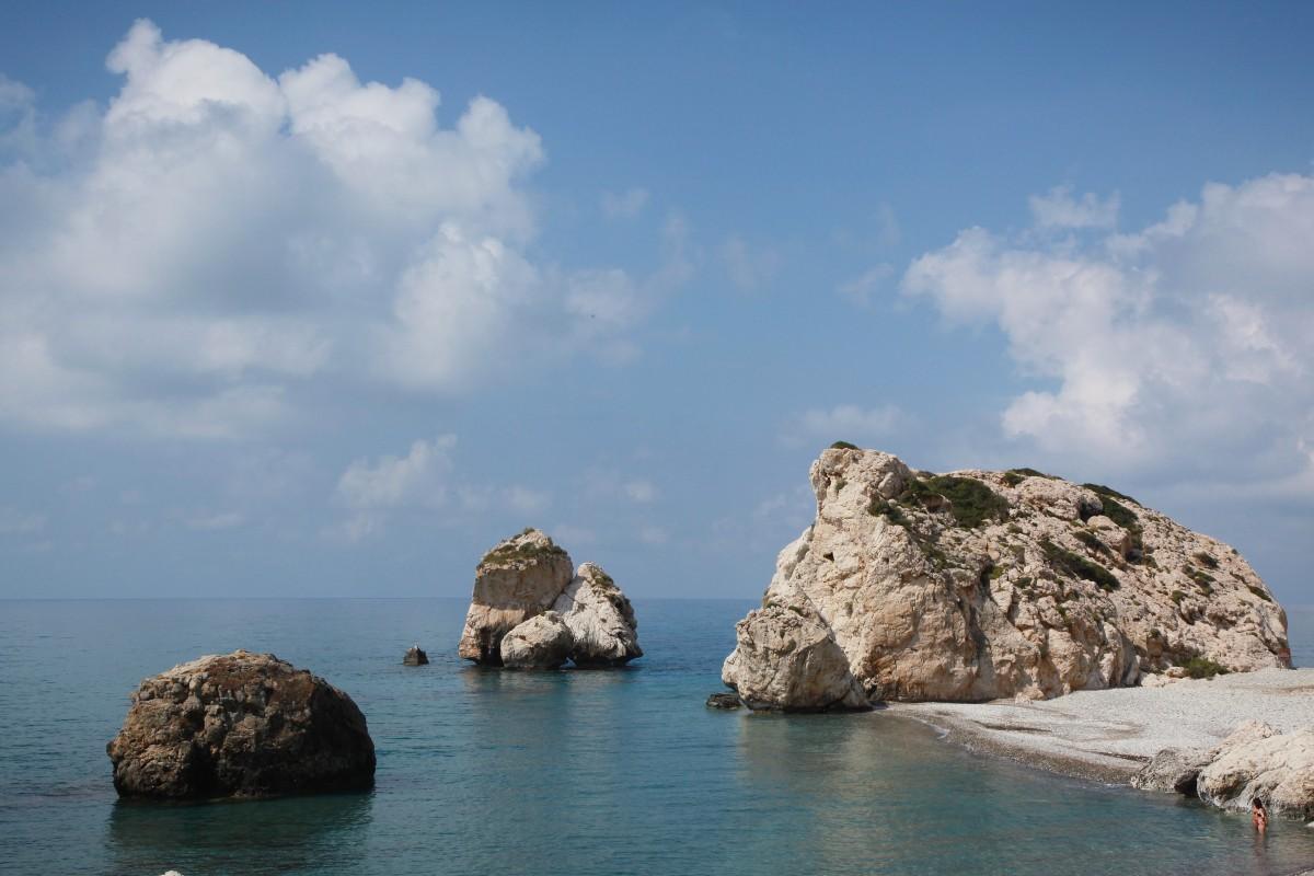 Zdjęcia: Petra tu Romiu, Pafos , Skała Afrodyty, CYPR
