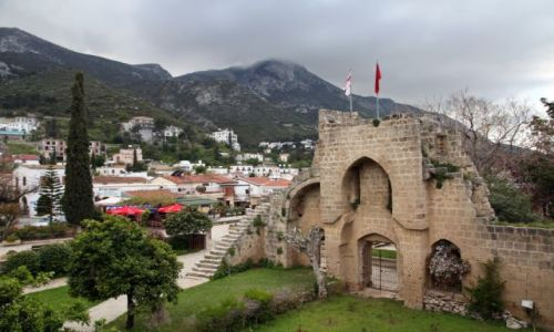 Zdjecie CYPR / Kyrenia / Bellapais / Cypr okupowany